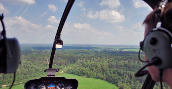 научиться летать на вертолете