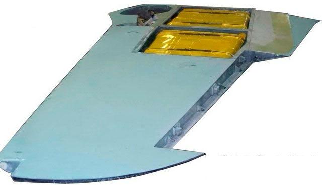 Консоль крыла самолета ЯК-9