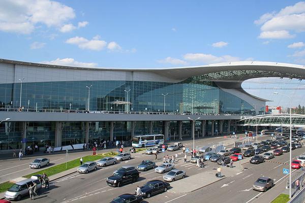 Аэропорты Москвы работают в напряженном режиме